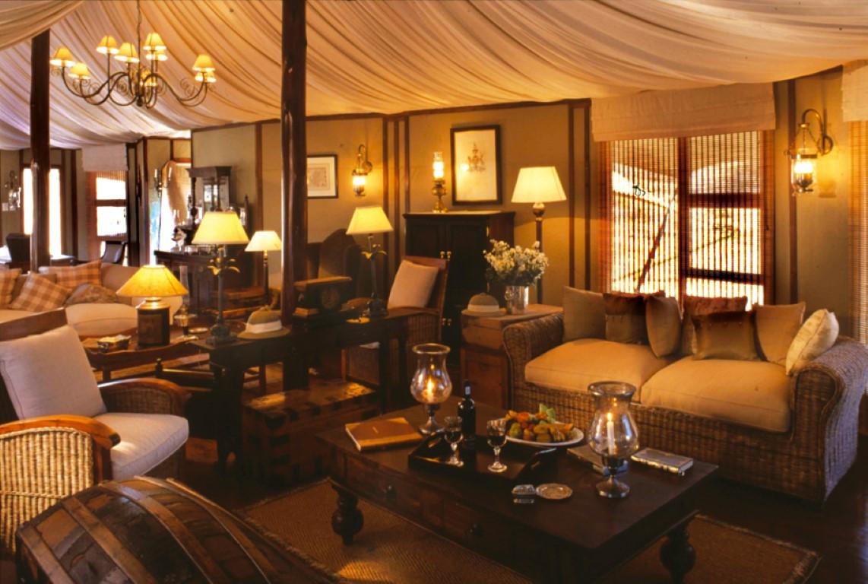 Lounge 2 (Medium)